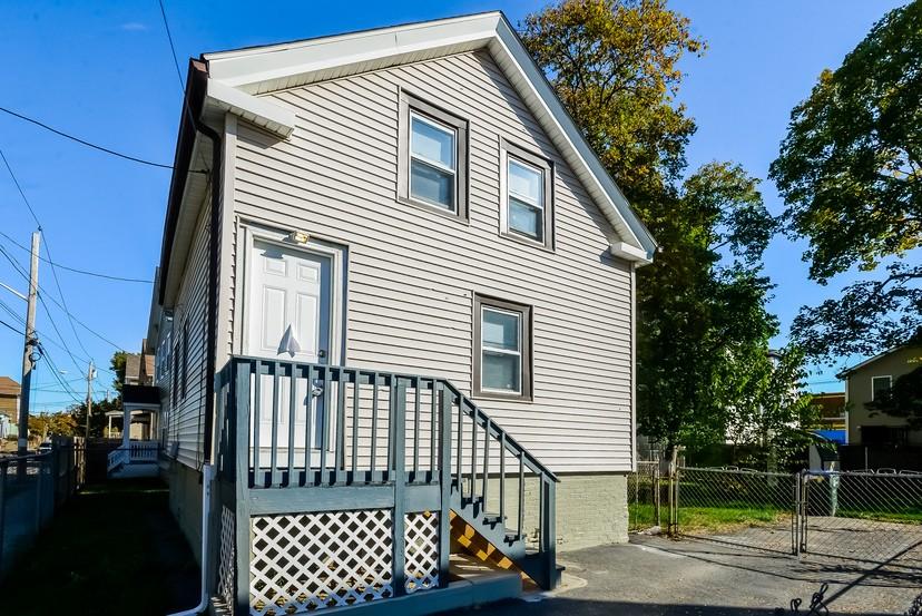 142 Stanwood St Providence Ri 02907 3 Bedroom Apartment For Rent Padmapper