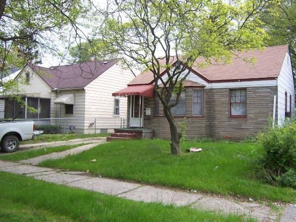19749 Ashton Ave Detroit Mi 48219 2 Bedroom House For