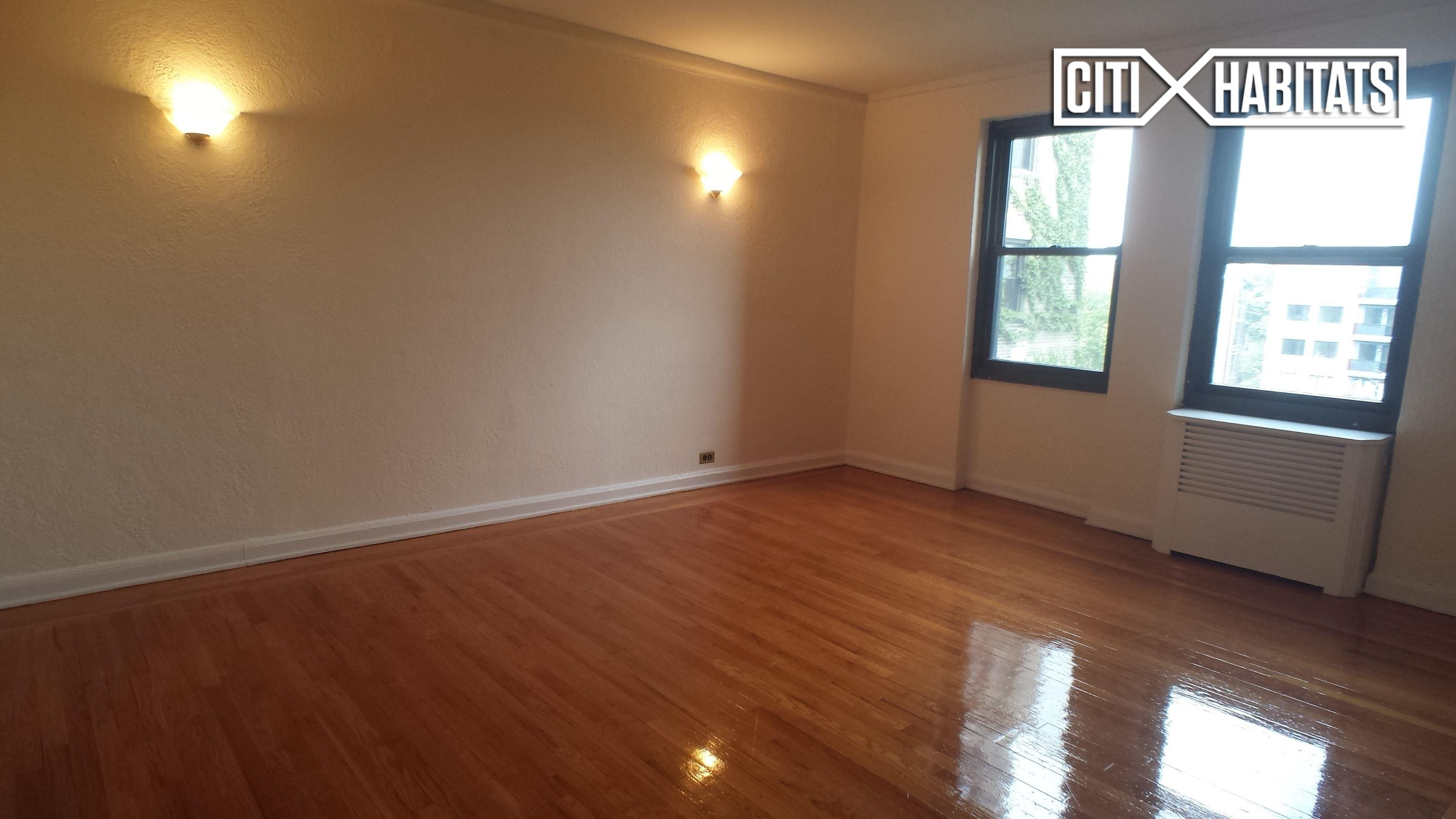 Henry Hudson Pkwy B55 Bronx Ny 10463 2 Bedroom Apartment For Rent For 2 650 Month Zumper