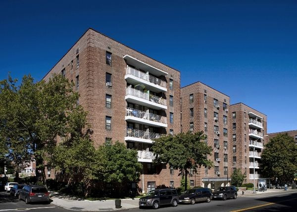 Kings and Queens Apartments - Massachusetts