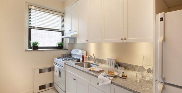 Kings & Queens Apartments - Portland
