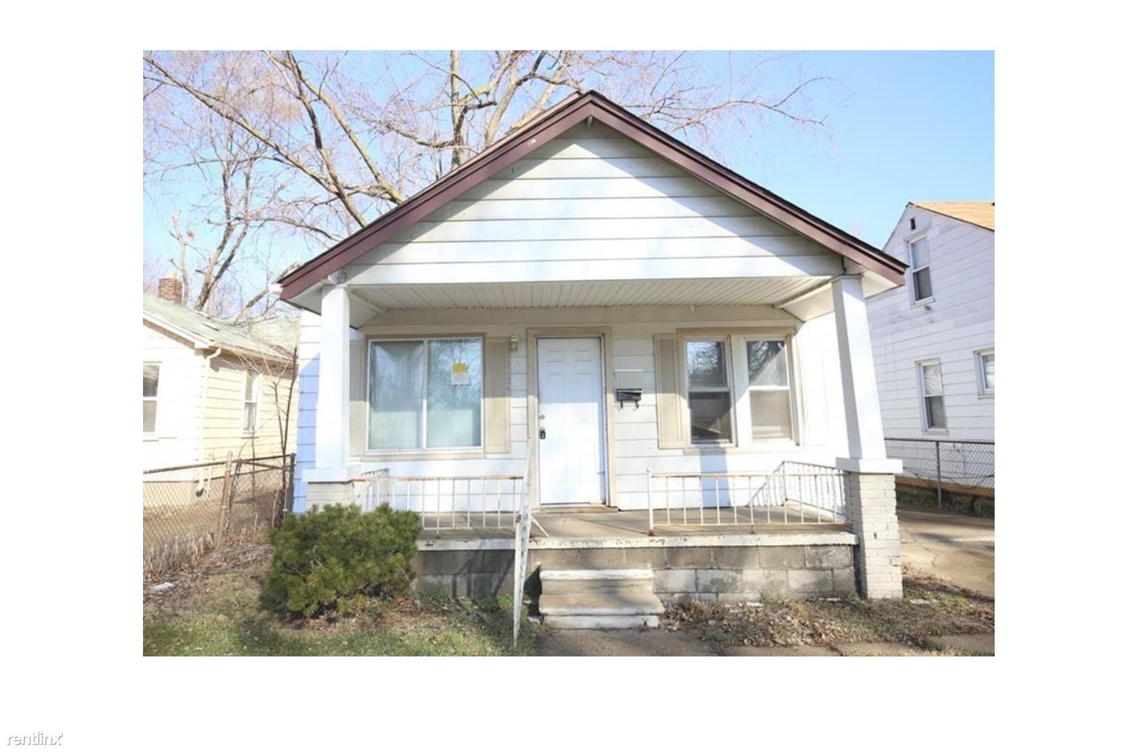 8267 Hudson Ave Warren Mi 48089 2 Bedroom House For Rent For 700 Month Zumper
