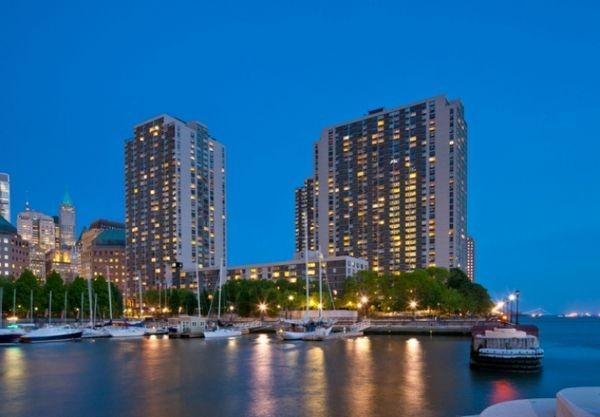 Gateway Battery Park City - Gateway Plaza 600
