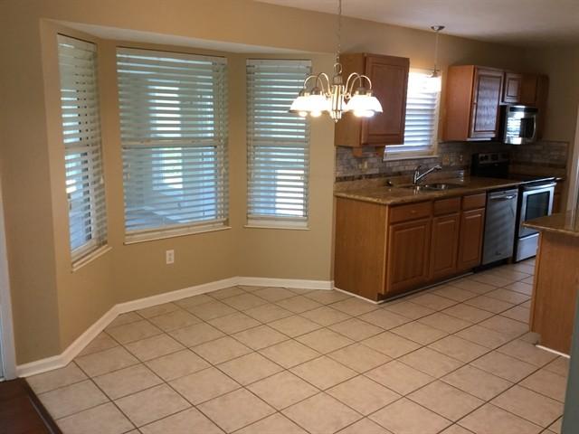 6226 Twyckenham Dr Indianapolis In 46236 4 Bedroom Apartment For Rent Padmapper