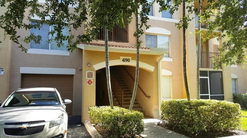 4190 San Marino Boulevard 206 West Palm Beach Fl 33409 1 Bedroom Condo For Rent For 1 150