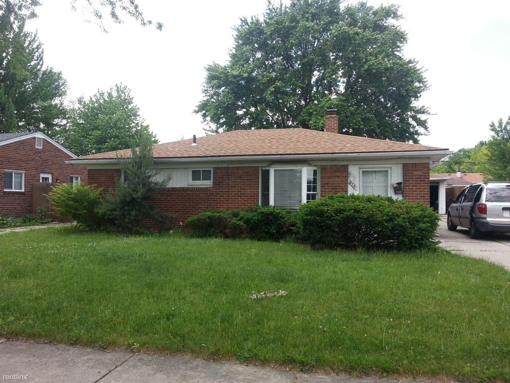 21731 Dexter Ct Warren Mi 48089 3 Bedroom House For Rent For 800 Month Zumper