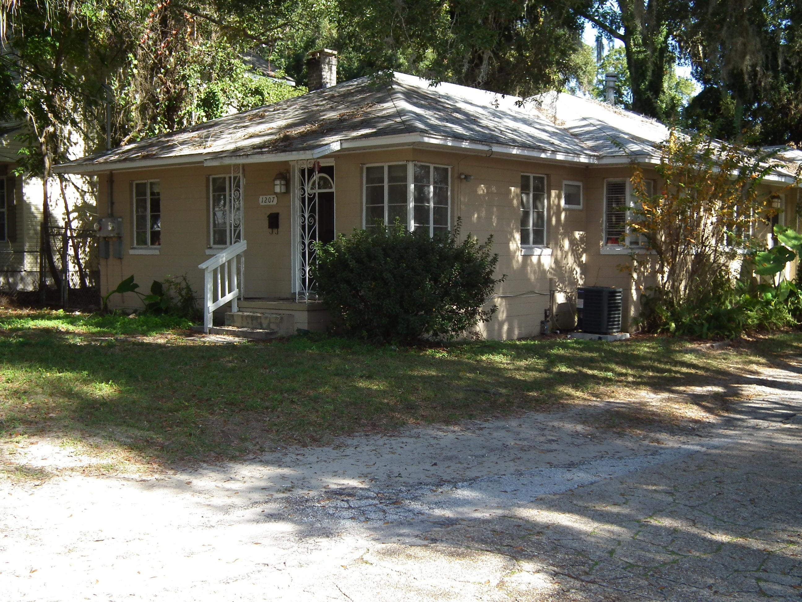 1207 Clock Street Jacksonville Fl 32211 2 Bedroom Apartment For Rent For 650 Month Zumper