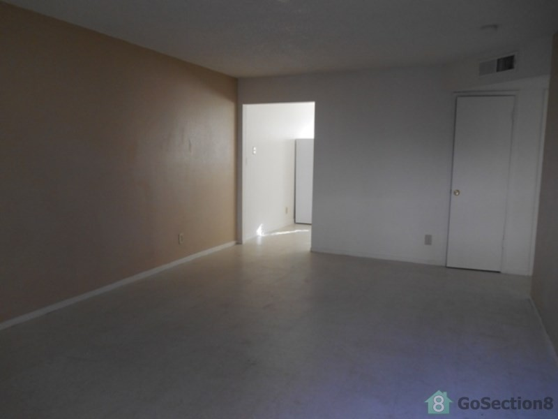 609 N College Ave 101 Fresno Ca 93728 3 Bedroom Apartment For Rent Padmapper