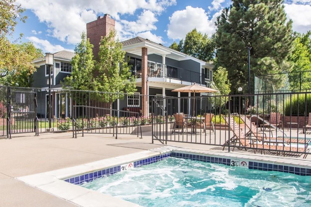 8447 S Thunder Ridge Way 104 Littleton Co 80126 2 Bedroom Apartment For Rent Padmapper