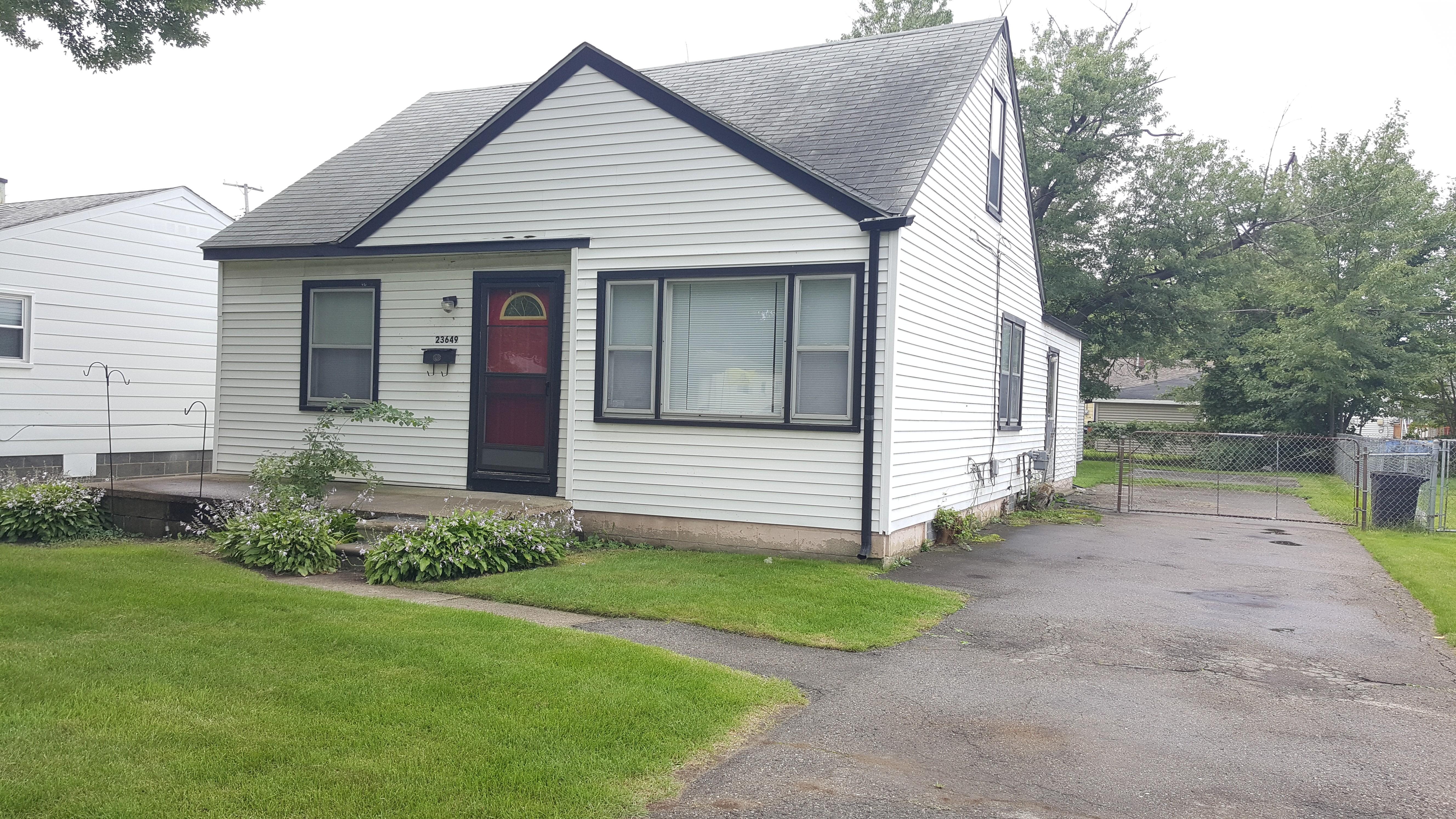 14865 Mona Ave Warren Mi 48089 3 Bedroom Apartment For Rent Padmapper