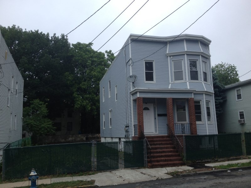 54 norwood st newark nj 07106 3 bedroom apartment for - 3 bedroom apartments for rent in newark nj ...