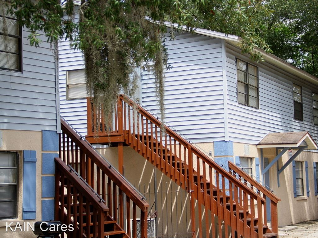 1812 E 142nd Ave Tampa Fl 33613 3 Bedroom Apartment For Rent Padmapper