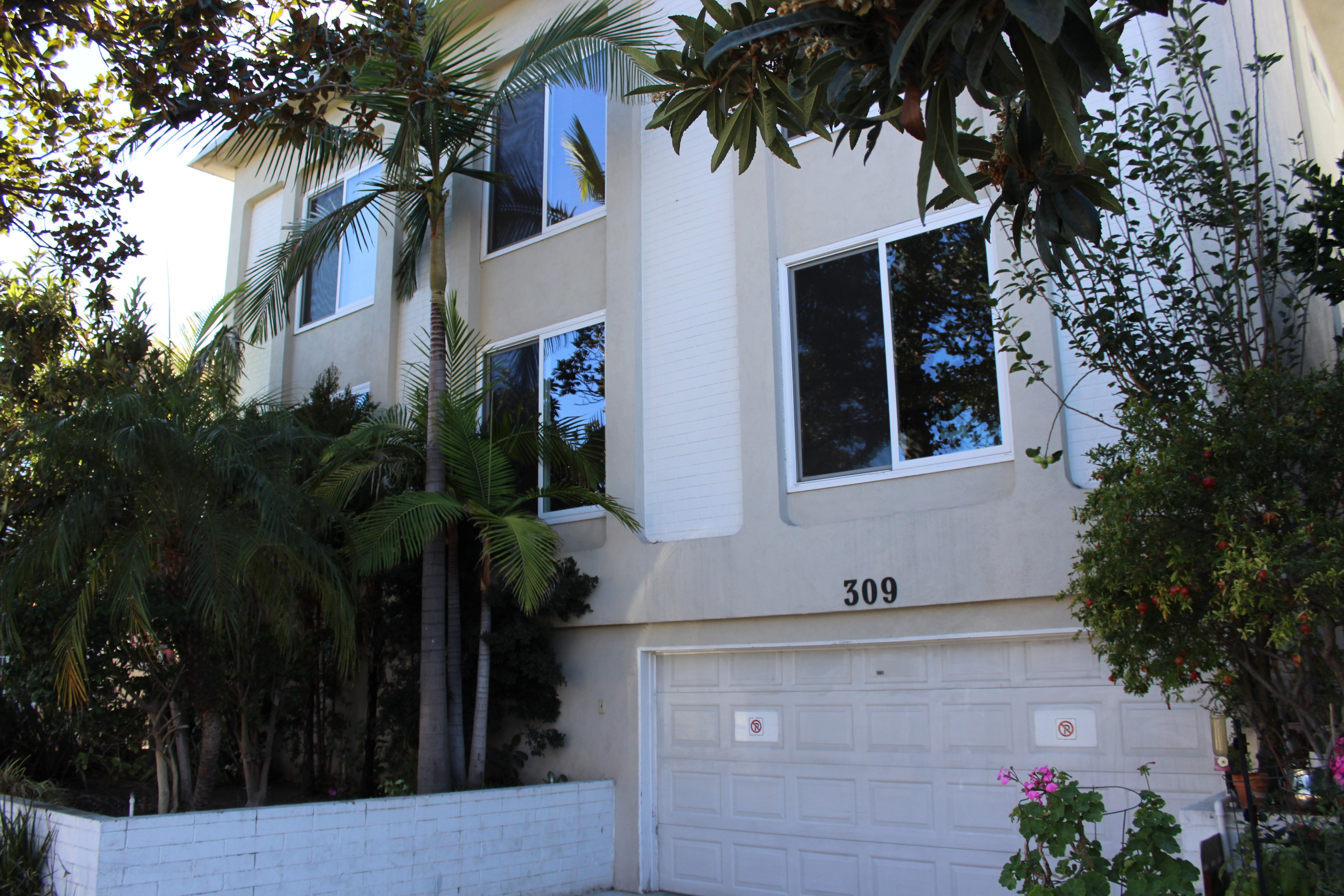 309 s doheny dr 1 beverly hills ca 90211 3 bedroom apartment for rent for 4 795 month zumper