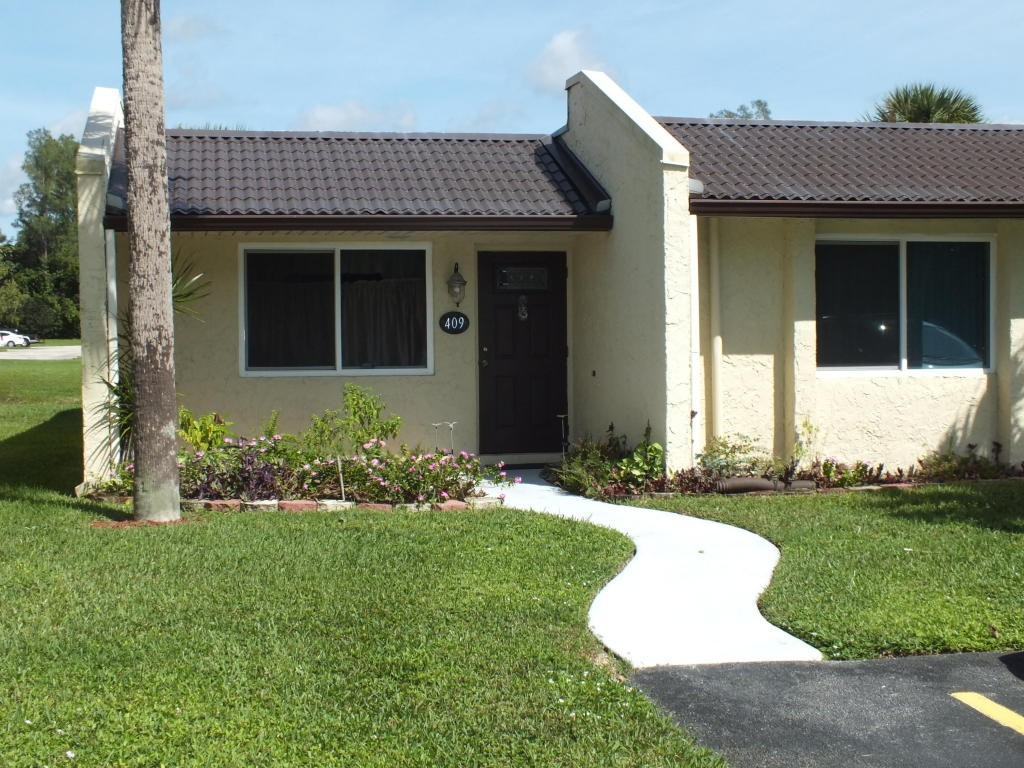 409 Golden River Dr West Palm Beach Fl 33411 2 Bedroom Apartment For Rent For 1 200 Month