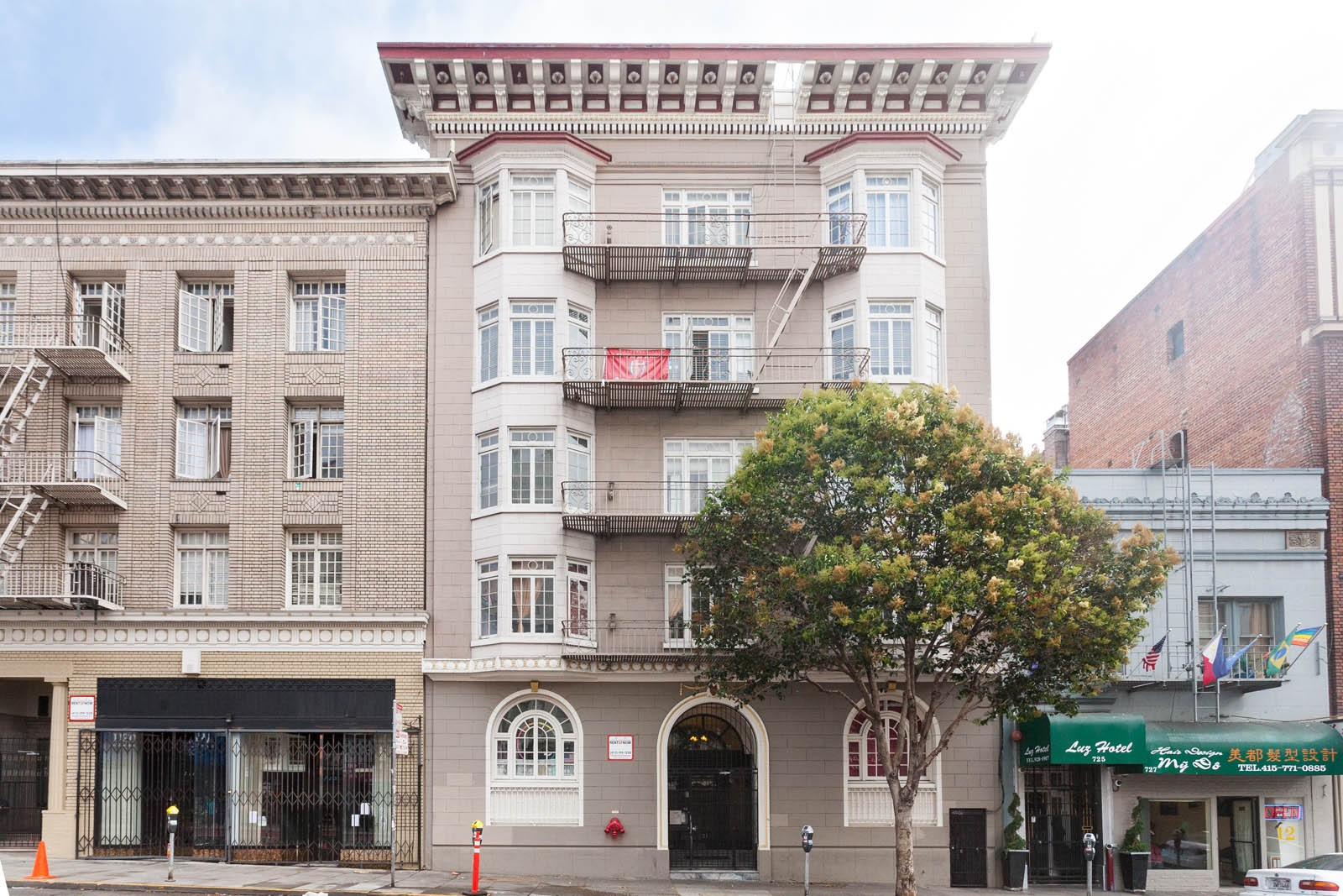 721 GEARY Apartments