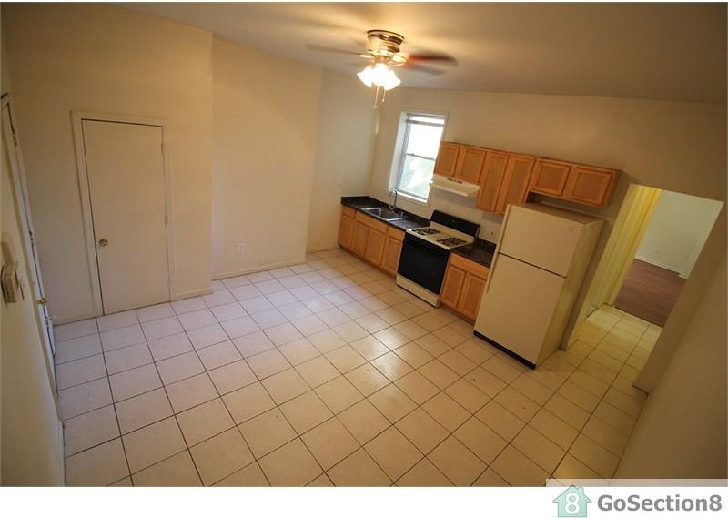 1211 W North Ave 2 Baltimore Md 21217 2 Bedroom Apartment For Rent For 775 Month Zumper