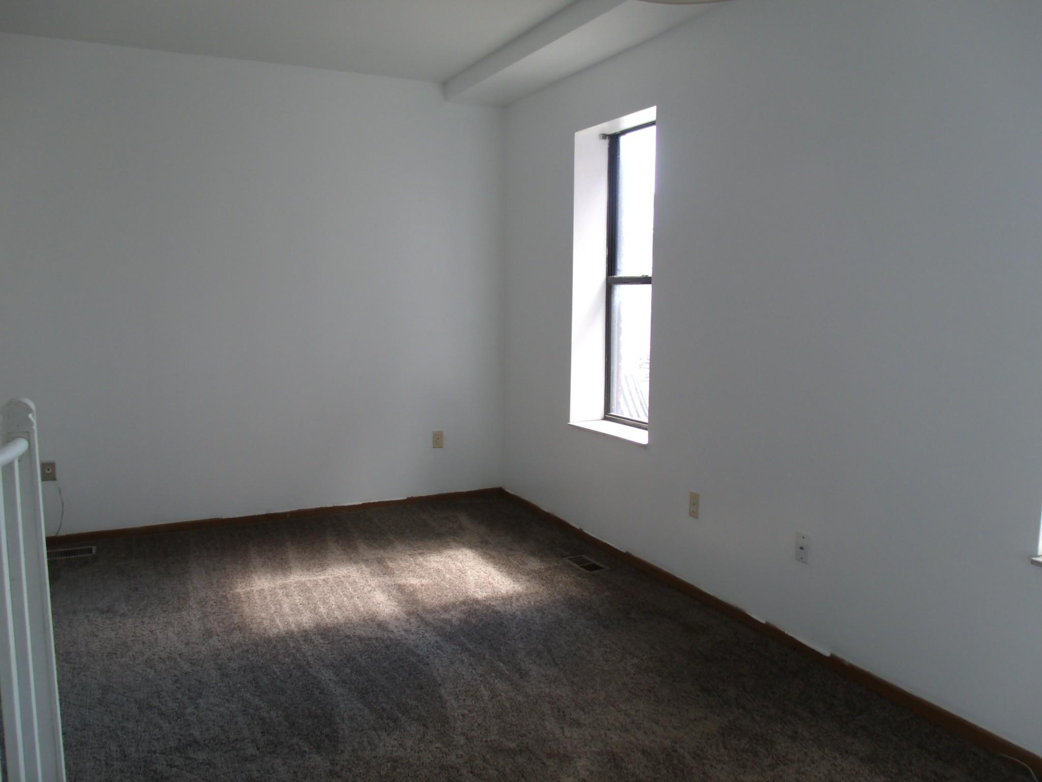 590 Parkview Dr 204 Detroit Mi 48214 2 Bedroom Apartment For Rent Padmapper