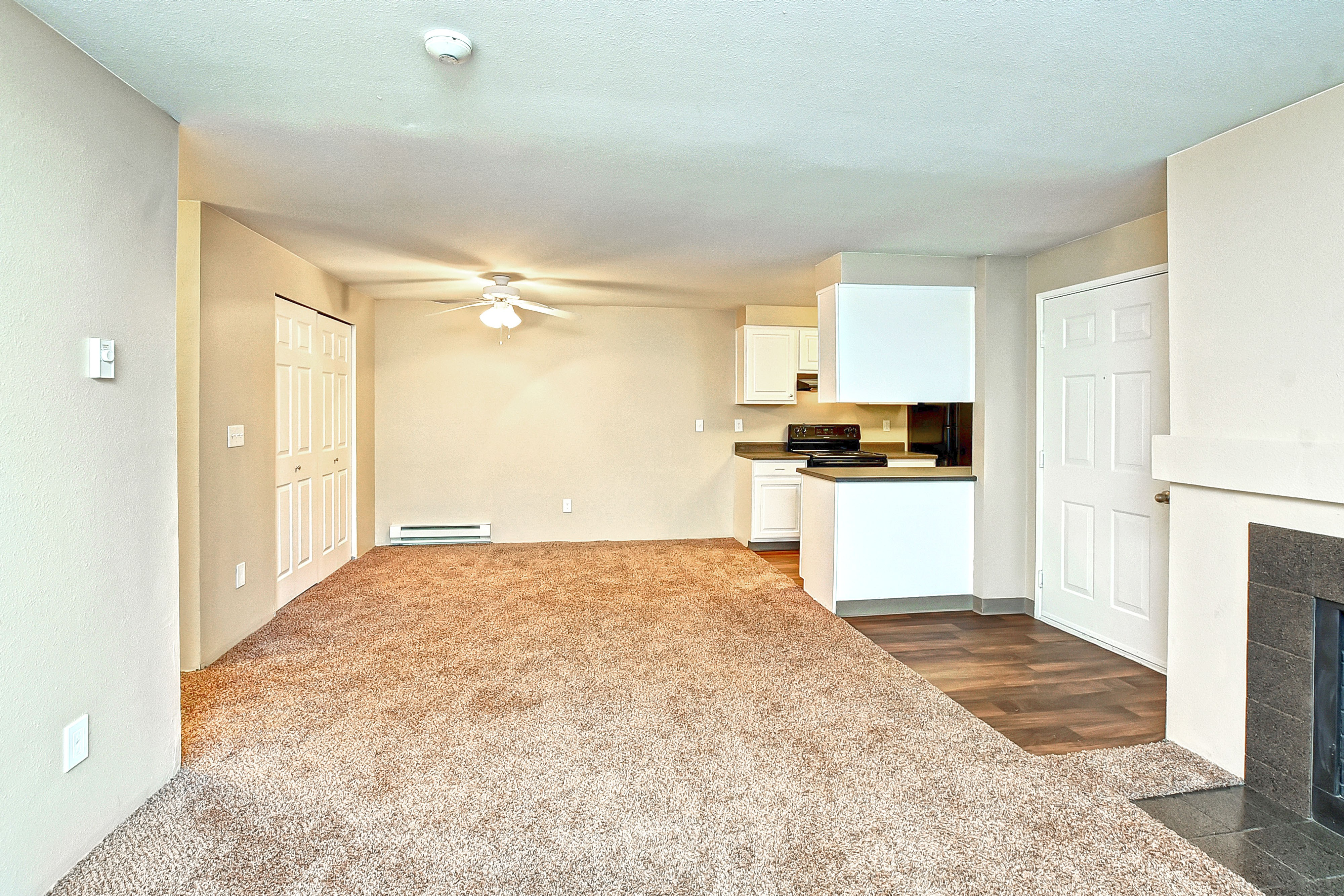 Bradford Park Apartment Homes, Lynnwood - (see pics & AVAIL)