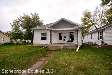 206 Home Park Blvd Waterloo IA 50701 3 Bedroom House For Rent