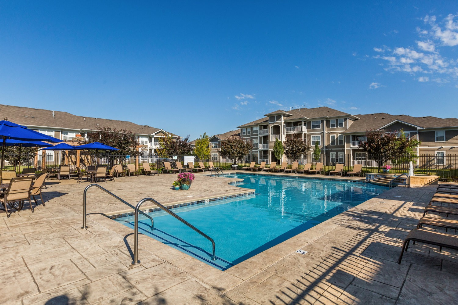Maple Knoll Apartments