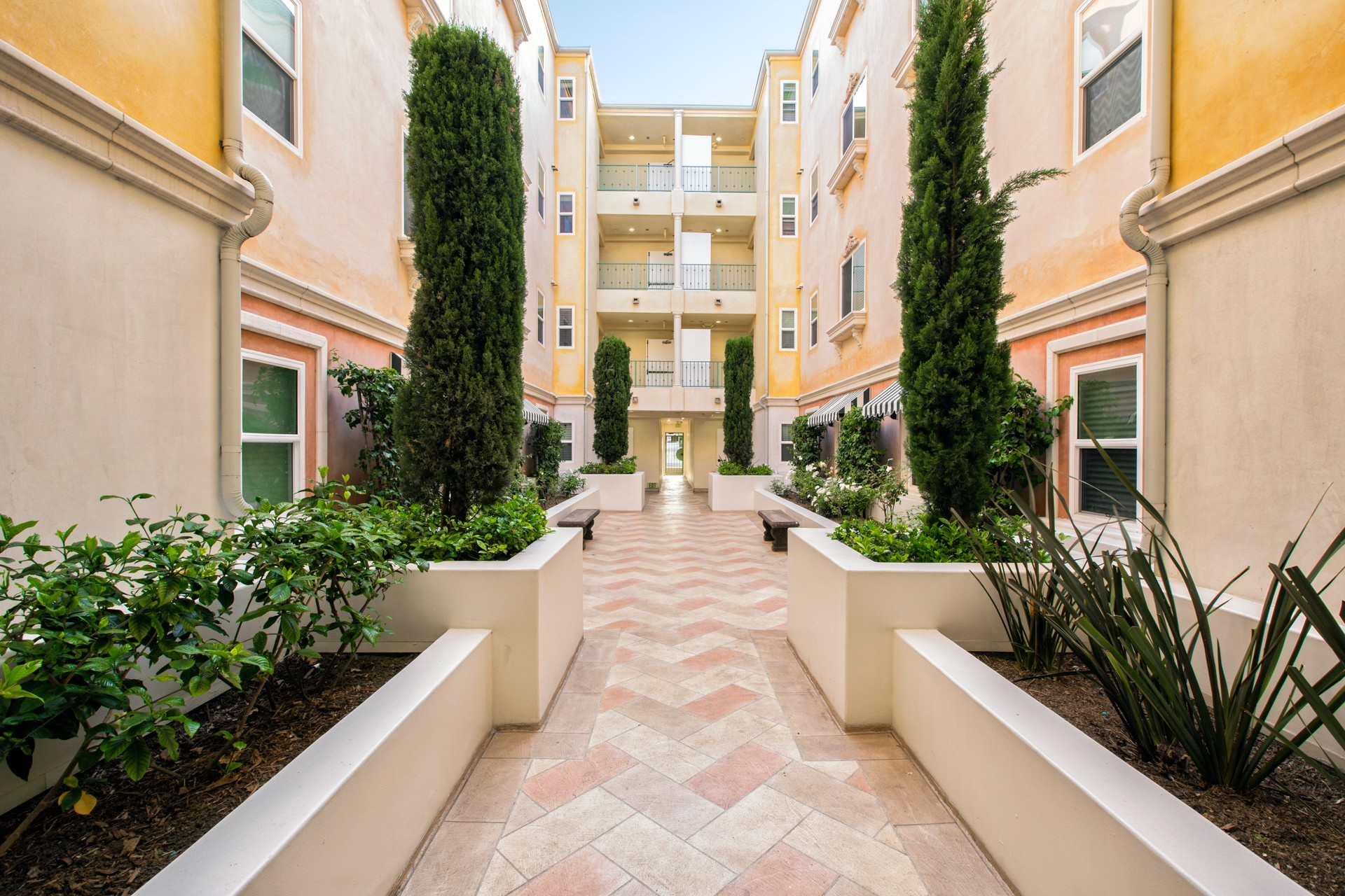 allegro apartments for rent w magnolia blvd los angeles