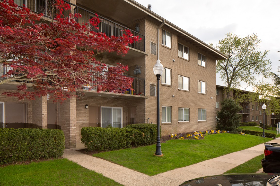 Stoneridge at mark center apartment homes alexandria for Stoneridge builders