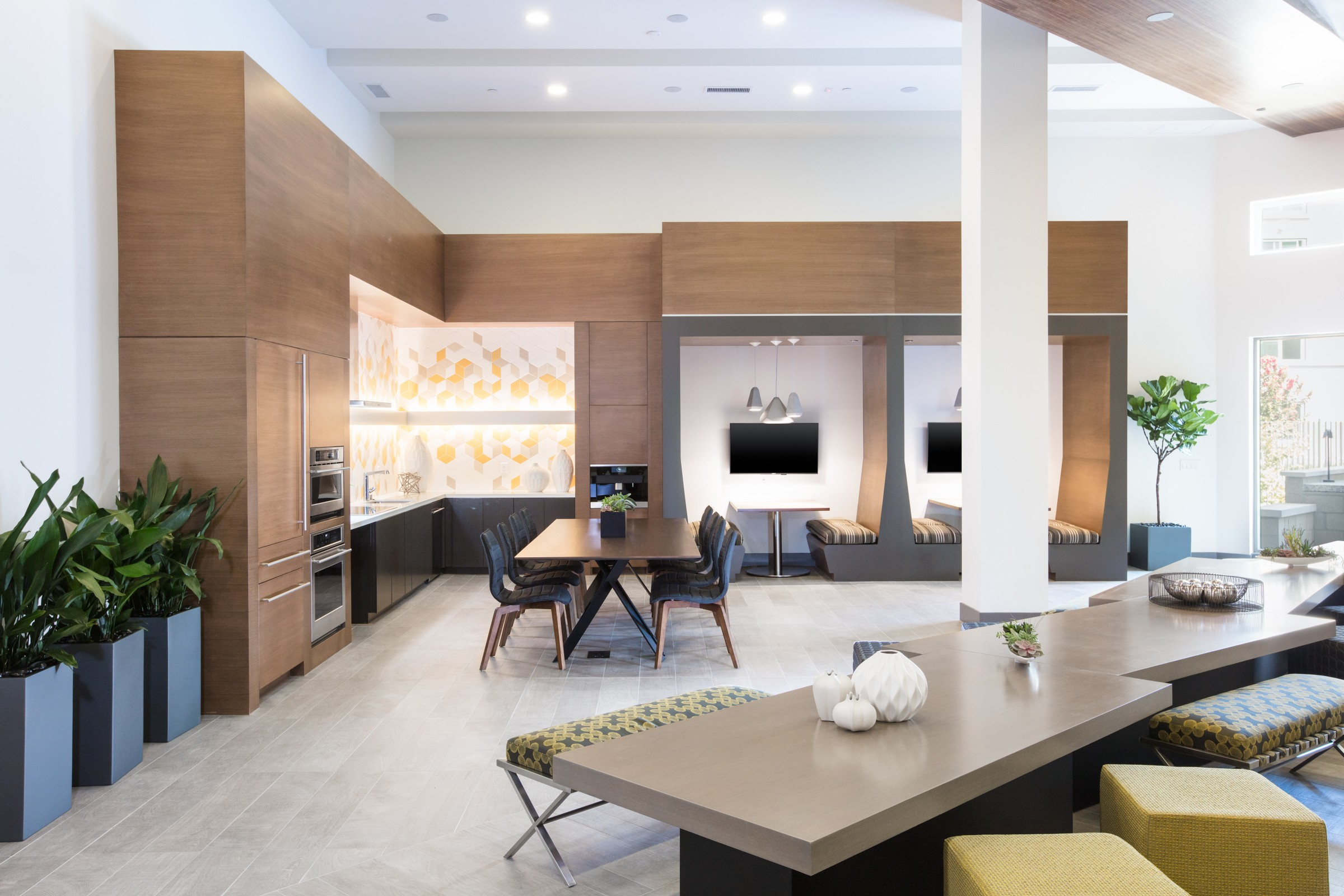 Luxury Apartments Near Stanford University