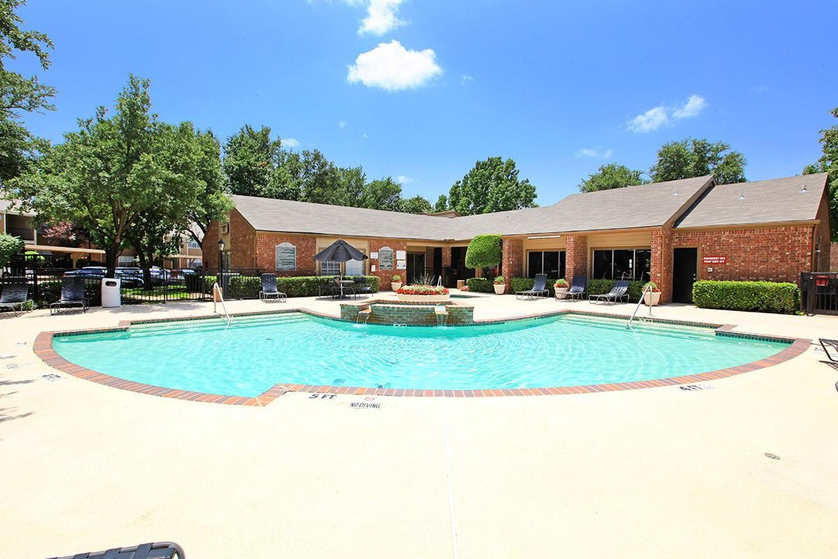 Towne Lake Village