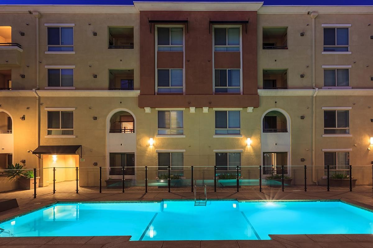 Meridian Place Apartment Homes at College of the Canyons | Uloop