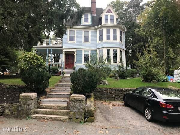 131 Mount Vernon St