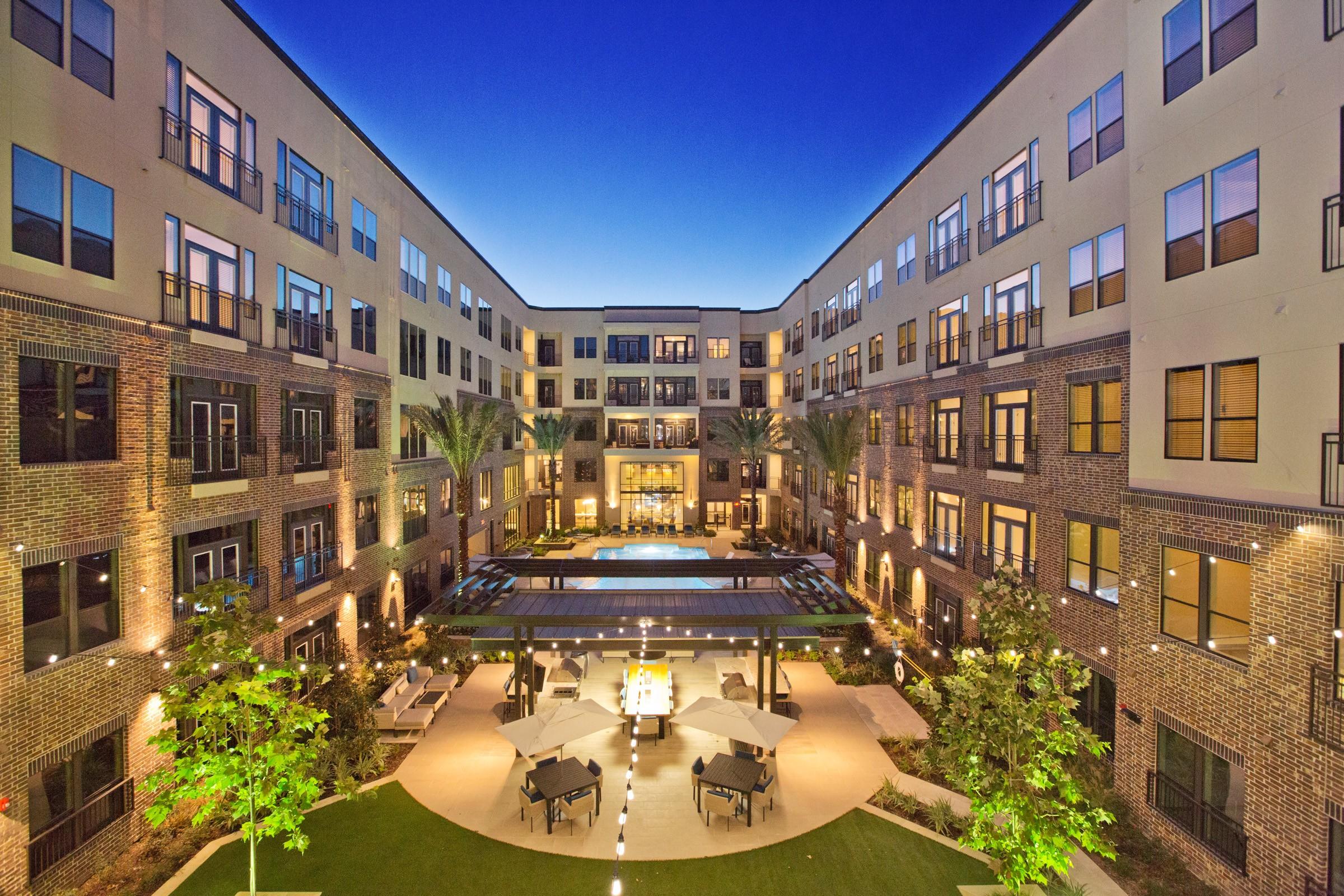9 Houses & Apartments near Stratford High School Houston