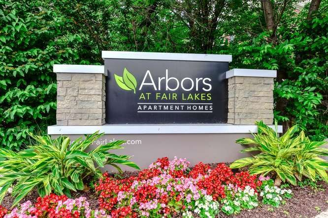 The Arbors At Fair Lakes