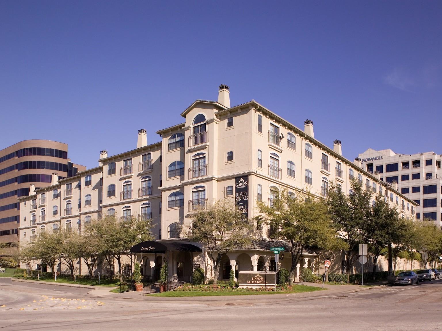 Gables Mirabella, Dallas - (see pics & AVAIL)