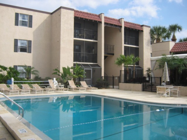 5304 W Kennedy Blvd 206 Tampa Fl 33609 1 Bedroom Apartment For Rent Padmapper