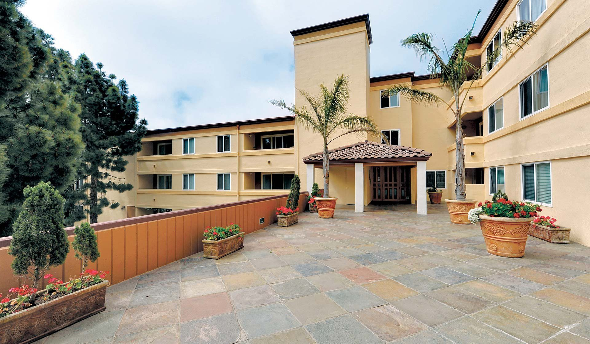 Horizons West Apartments