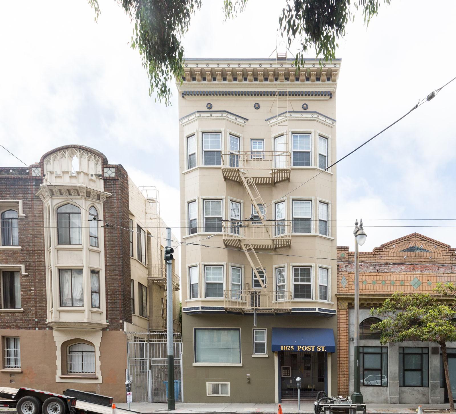 1025 POST Apartments
