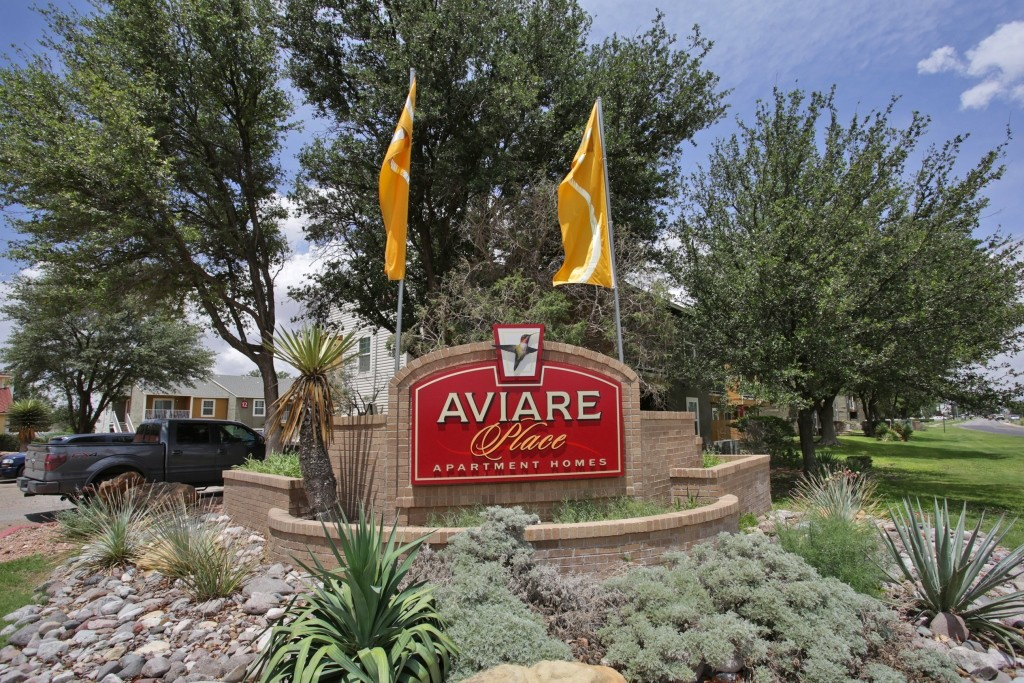 Aviare Place