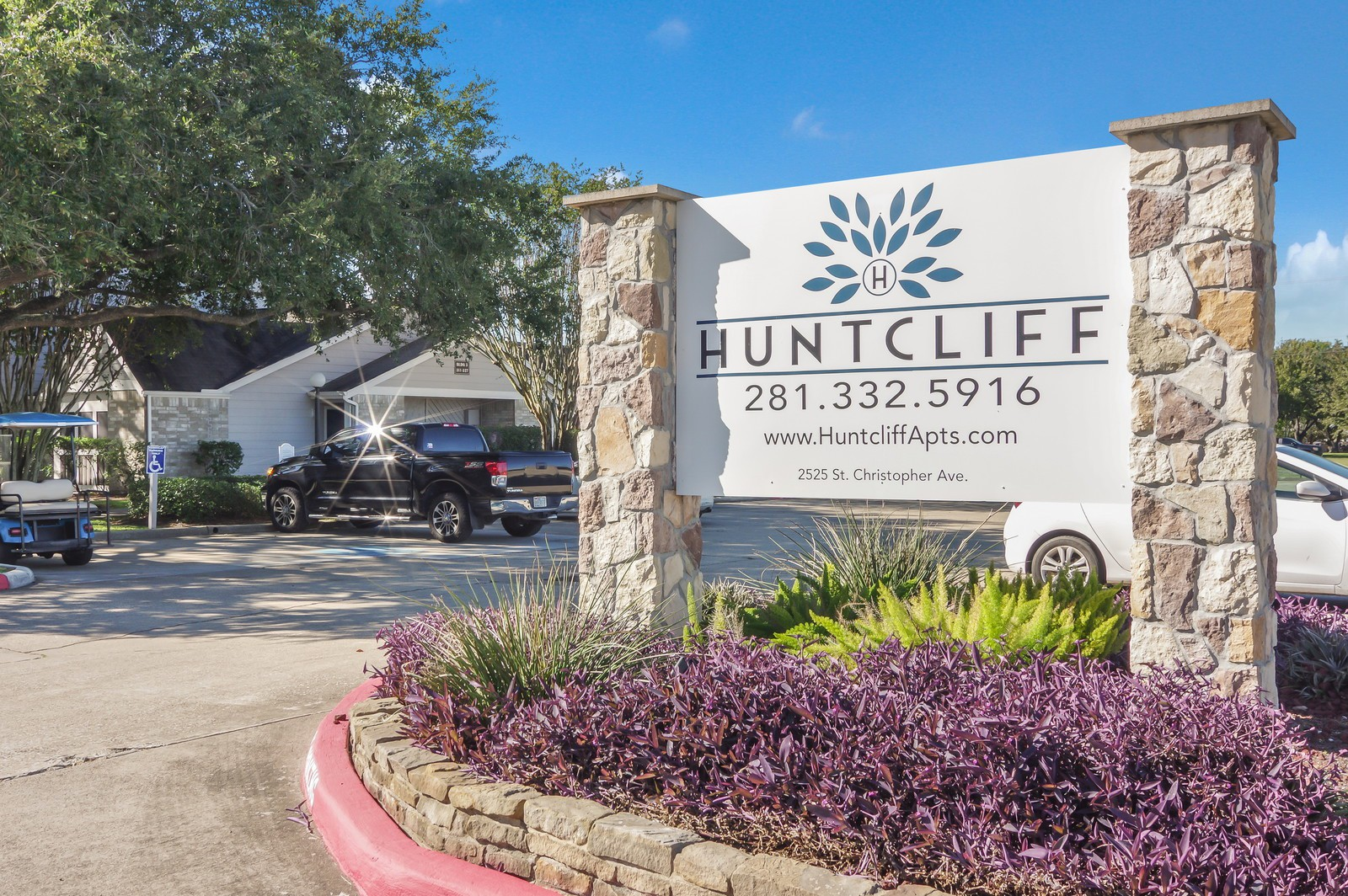 Huntcliff Apartments