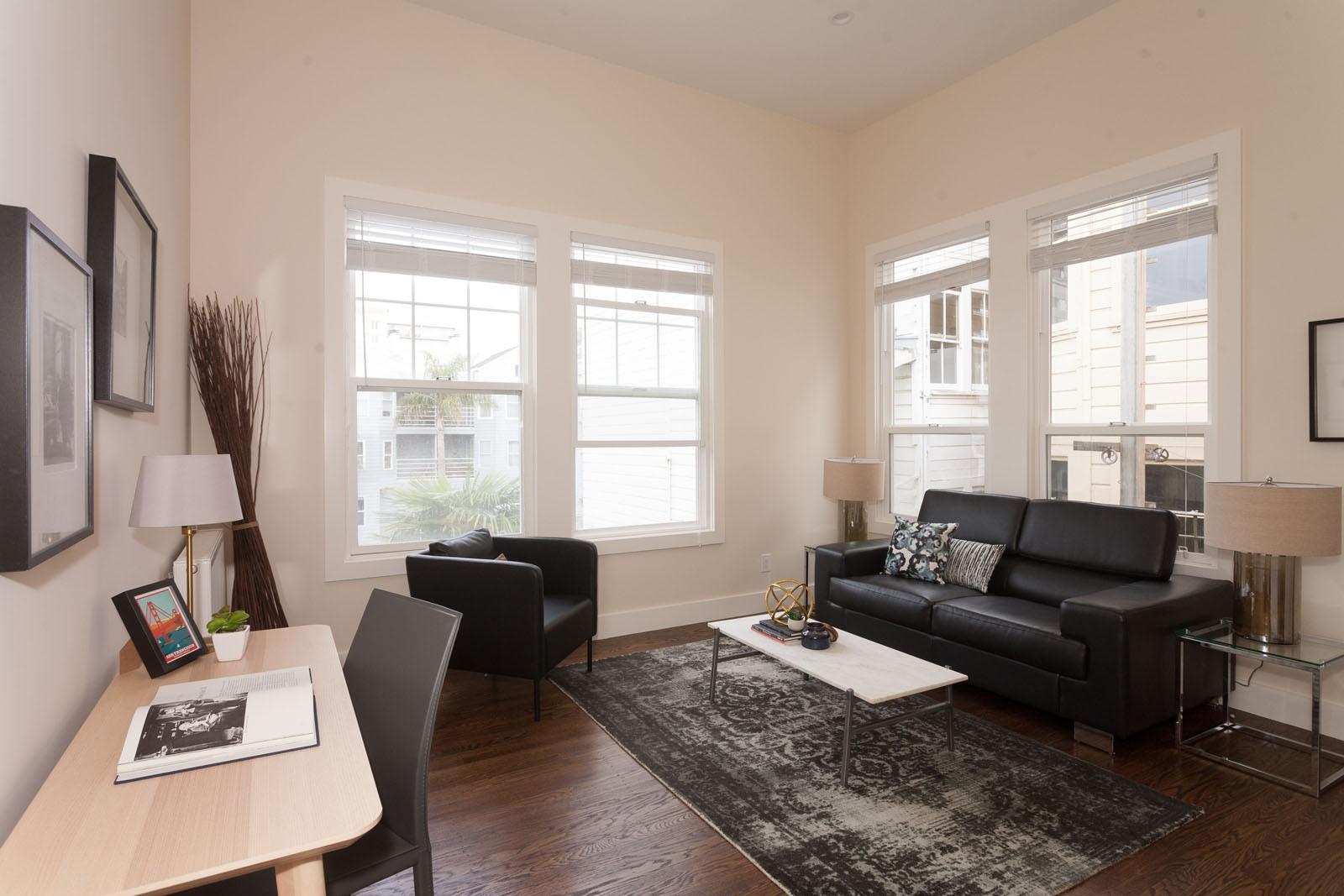 1025 STEINER Apartments