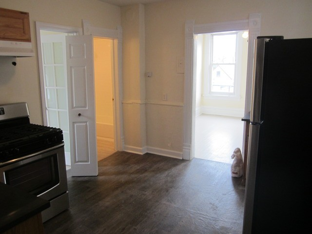 3221 S May St 3r Chicago Il 60608 2 Bedroom Apartments For Rent For 800 Month Zumper