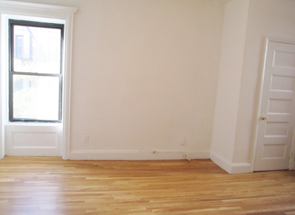 1296 Madison Avenue