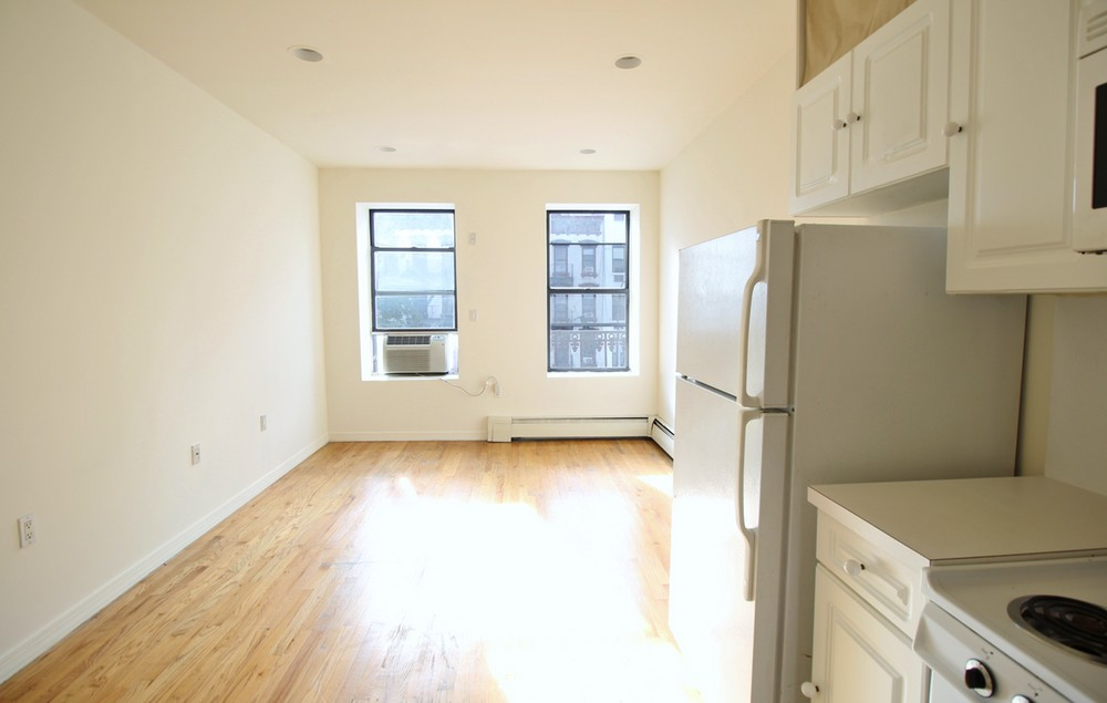 1376 First Avenue