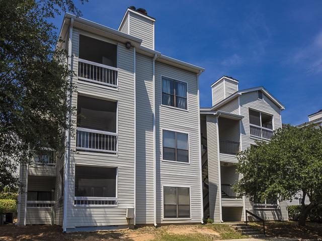 Landmark at Pine Court Apartment Homes