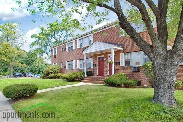 Skytop Gardens Apartments For Rent   27 Skytop Gdns, Parlin, NJ 08859    Zumper