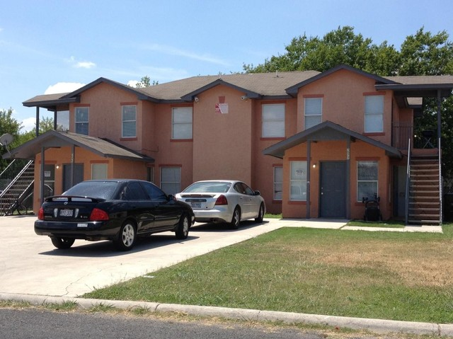 7575 Windsor Oaks San Antonio TX 78239 3 Bedroom Apartments For Rent For 6