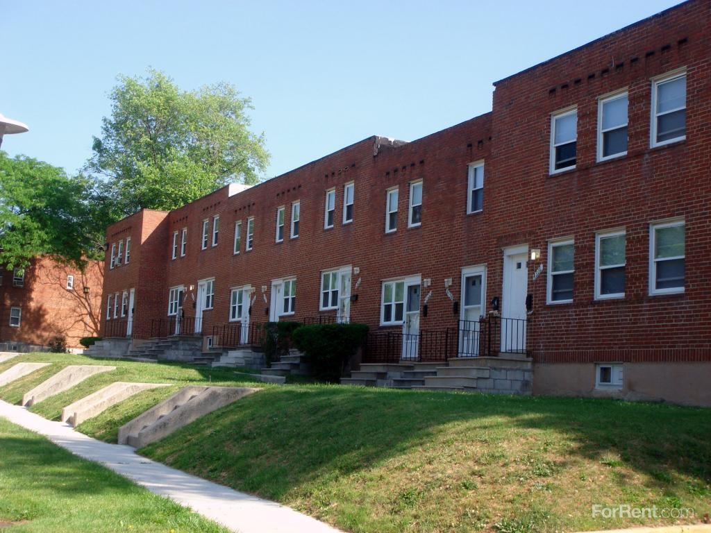306 S Augusta Ave Baltimore Md 21229 2 Bedroom Apartment For Rent Padmapper