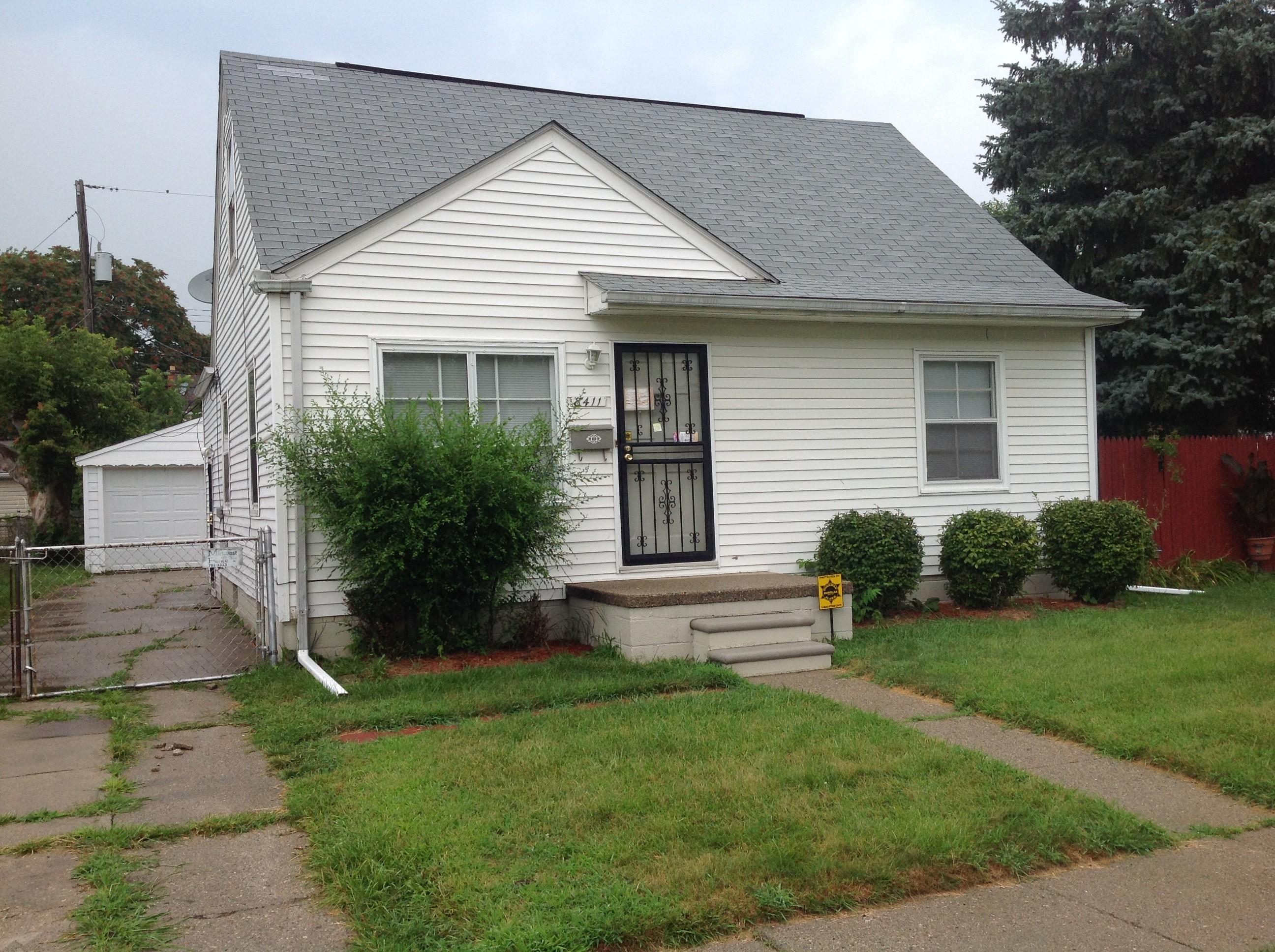 8411 Essex Ave Warren Mi 48089 3 Bedroom Apartment For Rent For 800 Month Zumper
