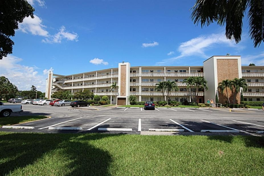 4007 Hythe A 4007 Miami Fl 33434 2 Bedroom Apartment For Rent For 1 300 Month Zumper