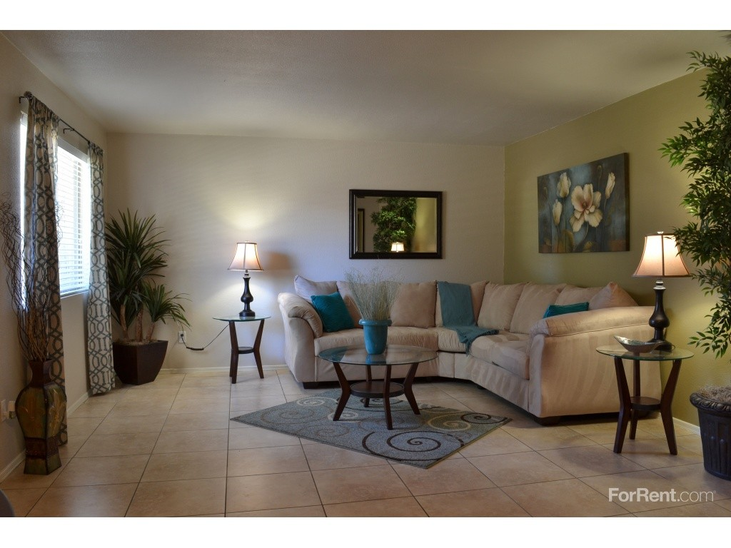 Partenza on highland apartments for rent 1320 e highland ave phoenix az 85014 with 1 for Cheap 1 bedroom apartments in glendale az