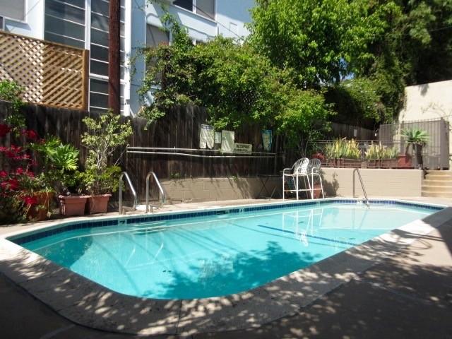 N Harper Ave Sunset Blvd West Hollywood Ca 90046 3 Bedroom Apartment For Rent Padmapper